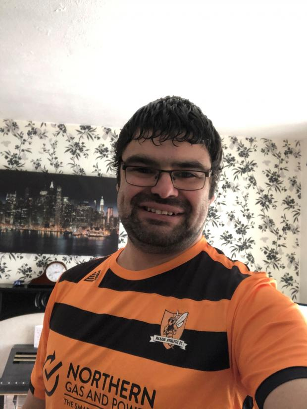 Strathallan Times: Ricc proudly shows off his first Alloa jersey
